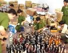 Thu giữ hàng trăm chai rượu ngoại nhập lậu đang tập kết trên vỉa hè