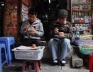 """Nghề """"khắc dấu cá nhân"""" kiếm bộn tiền ở phố cổ Hà Nội"""