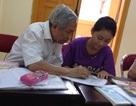 Cảm động lớp dạy học cho trẻ em nghèo của ông giáo 83 tuổi