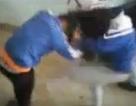 Xuất hiện clip nữ sinh đánh nhau dữ dội trong nhà gửi xe