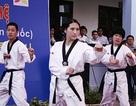 Sinh viên Hàn diễn taekwondo trên nền nhạc… Gangnam Style