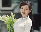 Nữ sinh trường Báo đằm thắm trong tà áo dài tinh khôi
