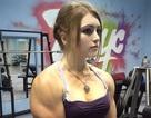 Thiếu nữ tuổi 17 xinh đẹp có cơ bắp của... lực sĩ