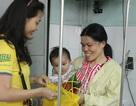 Sinh viên vui Tết Trung thu sớm cùng bệnh nhi nghèo