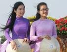 Duyên dáng nữ sinh Bạc Liêu ngày Thơ Việt Nam