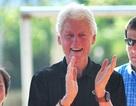 Cựu tổng thống Bill Clinton tới Việt Nam: Ấn tượng những nụ cười