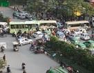 Công an huyện Từ Liêm xử lý vi phạm trật tự đô thị ở bến xe Mỹ Đình