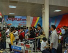 Sân bay Tân Sơn Nhất chật kín người đến làm thủ tục