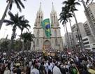 Brazil hoãn tăng giá vé xe buýt vì biểu tình dữ dội