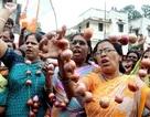 Người Ấn Độ biểu tình vì giá hành tăng chóng mặt