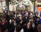 """Dân Mỹ chen nhau mua sắm """"điên cuồng"""" trong ngày thứ Sáu đen"""