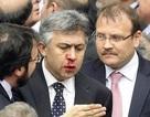 Nghị sỹ Thổ Nhĩ Kỳ đánh nhau vỡ mũi tại quốc hội