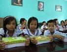 Trao 3.500 cuốn vở đến học sinh nghèo tại Quảng Nam