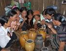 Người Hrê ăn Tết truyền thống