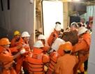 Cứu 2 người nước ngoài gặp nạn trên biển Nha Trang