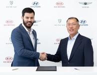 Hyundai bắt tay chiến lược với một hãng siêu xe chạy điện