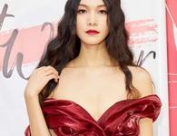 """Hoa hậu Thùy Dung: """"Tôi thấy bản thân ngu quá khi đánh mất nhiều cơ hội"""""""