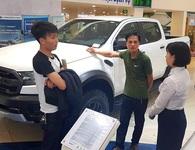 Thị trường ô tô tháng Ngâu: Người xem thì nhiều, kẻ mua thì ít