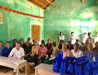 Eximbank thăm hỏi và tri ân mẹ Việt Nam anh hùng, gia đình liệt sỹ tỉnh Hòa Bình