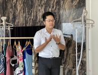 Bàn ủi hơi nước đứng thông minh giá dưới 4 triệu đồng ra mắt tại Việt Nam