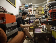 Mức lợi nhuận 6600%, Trung Quốc đang trở thành thủ phủ đầu cơ giày của thế giới