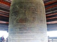 """Chiêm ngưỡng chuông và trống đồng """"khủng"""" trong ngôi chùa lớn nhất Việt Nam"""