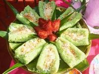 """Thòm thèm những món bánh """"ăn chơi"""" của người Khmer"""