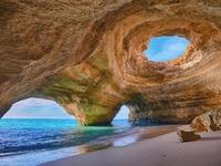 Những hang động đẹp đến mức bất kì ai cũng phải choáng ngợp