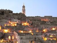 Khám phá những ngôi nhà cổ nhất vẫn có người ở trên thế giới
