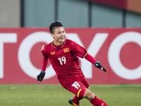 Hình ảnh cầu thủ Quang Hải trong chung kết AFF Cup vào đề Hóa