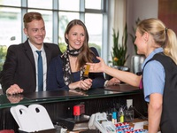 14 mẹo giúp đặt được phòng khách sạn với giá hời