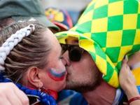 Khuyến cáo phụ nữ Nga không nên sex với du khách tới World Cup gây tranh cãi