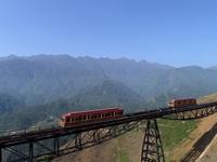 """Hành trình kỳ thú với """"bản sao"""" của Glacier Express tại Việt Nam"""