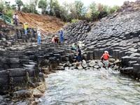 Gành đá đĩa Phú Yên thu hút du khách vào dịp Tết Nguyên Đán