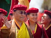 Pháp Vương Gyalwang Drukpa thăm cầu Vàng tại Bà Nà Hills