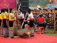 Hàng ngàn người dự Lễ hội ở ngôi đền thờ nàng Nang Phốm Hóm