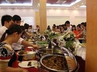 Người Việt du lịch nước ngoài: Nói to, chen hàng và loạt thói xấu khó bỏ