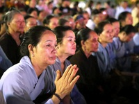 Cố đô Hoa Lư lung linh trong đêm hội hoa đăng cầu quốc thái dân an