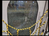 """Khách Trung Quốc đập vỡ cửa kính tàu cao tốc để """"hít khí trời"""""""