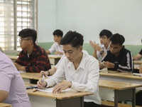 Hàng loạt trường ĐH công bố điểm chuẩn trong đêm