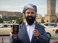 """Du khách có bộ """"râu khủng"""", đi khắp thế giới bằng tấm hộ chiếu ít quyền lực nhất"""