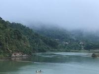 Bình minh lẻ loi trên sông Lam