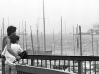 16 bức ảnh về trận bão lịch sử 40 năm trước ở Hồng Kong