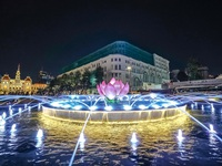 """""""Ra mắt"""" đài phun nước nghệ thuật ở phố đi bộ Nguyễn Huệ"""
