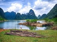 """Dân phượt """"phát sốt"""" với thung lũng """"tuyệt tình cốc"""" đẹp quên lối về ở Cao Bằng"""