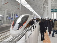 Tàu cao tốc thông minh của Trung Quốc có tốc độ 350 km/h, lái tự động và tín hiệu 5G