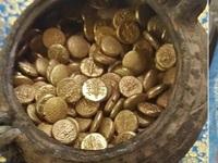 Phát hiện hũ tiền vàng hơn nghìn năm tuổi chôn bí mật trong đền nổi tiếng