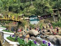 2 điểm du lịch nổi tiếng Sa Pa dừng đón khách
