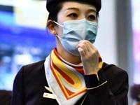 """Chuyện tiếp viên hàng không: """"Làm không lương, lo lây bệnh cho gia đình"""""""