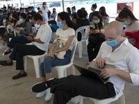 Dịch bệnh hoành hành, hàng nghìn du khách mắc kẹt trên khắp châu Á